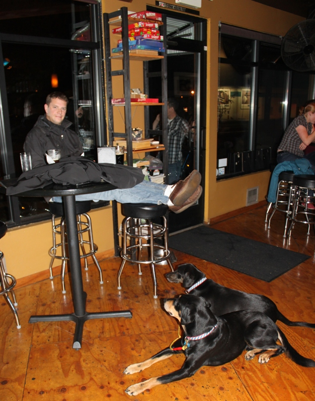 The Leary Traveler – A Dog-Friendly Ballard-Fremont Pub